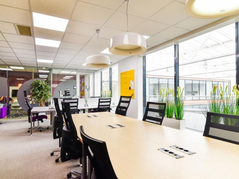 Bureaux à louer   Lille (59800) Surface : de 10 m2 à 1400 m2 Réf. 960565