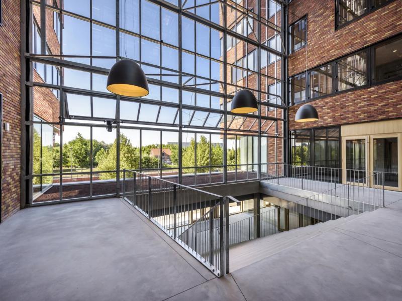 Bureaux à louer | Roubaix (59100) Surface : de 170 m2 à 2170 m2 Réf. 744798