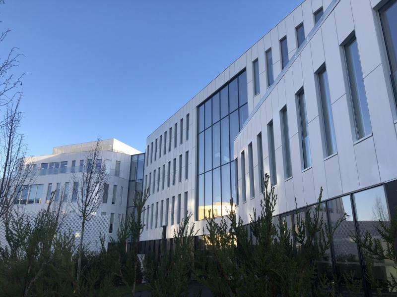 Bureaux à louer | Villeneuve D'ascq (59650) Surface : de 443 m2 à 2488 m2 Réf. 744228