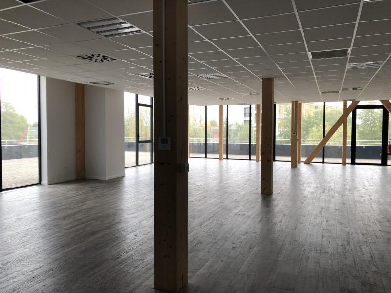 Bureaux à louer | Villeneuve D'ascq (59650) Surface : de 700 m2 à 1718 m2 Réf. 919704