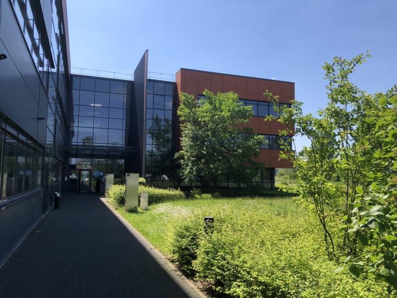 Bureaux à louer | Villeneuve D'ascq (59650) Surface : de 371 m2 à 1107 m2 Réf. 961719