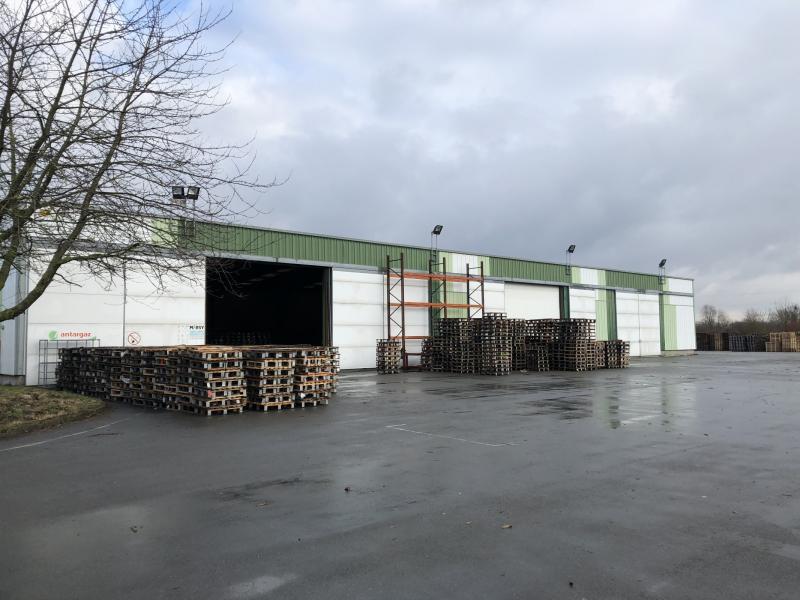 Entrepôts à louer   Douvrin (62138) Surface : 1250 m2 Réf. 791919