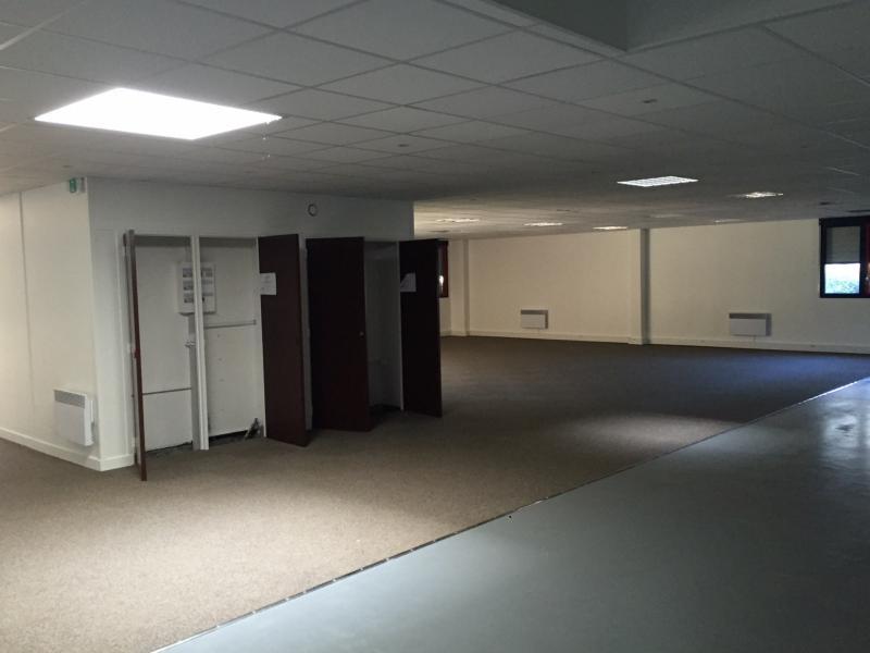 Locaux d'activités à louer   Villeneuve D'ascq (59650) Surface : 775 m2 Réf. 627833