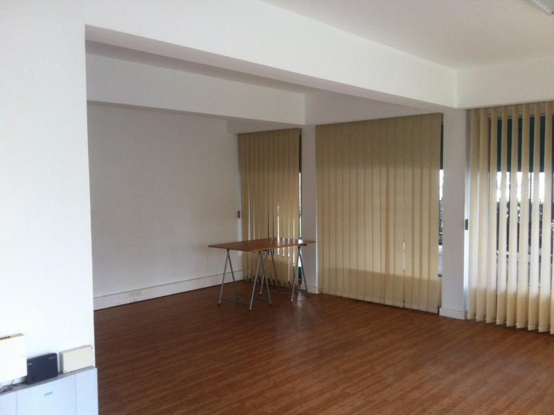 Bureaux à vendre / à louer | Croix (59170) Surface : de 25 m2 à 1874 m2 Réf. 645555